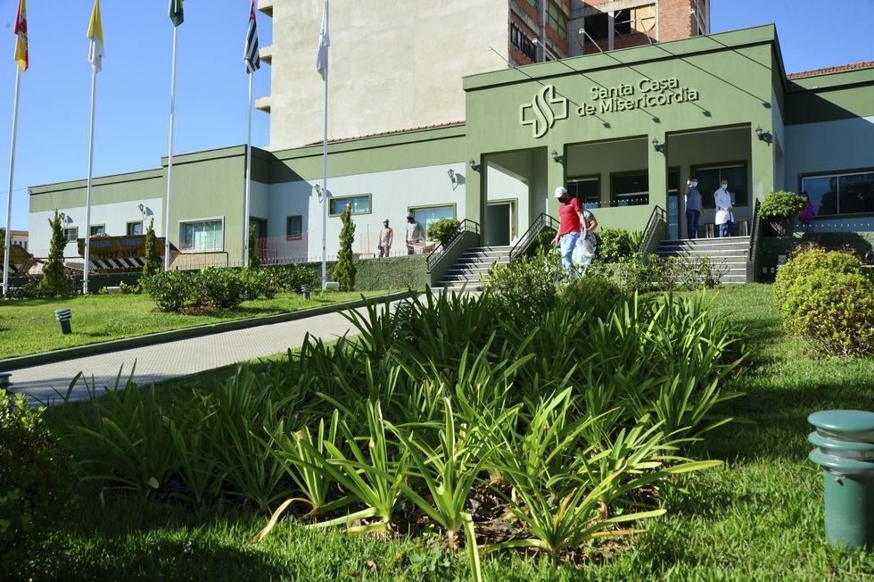 Prefeitura atrasa recursos para a Santa Casa e UPH