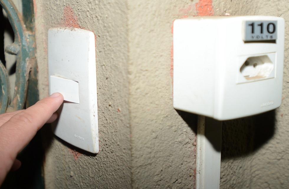 Consumidores que deixarem de pagar suas contas poderão ter a energia cortada a partir de 1º de agosto. Crédito da foto: Erick Pinheiro/ Arquivo JCS (21/08/2018)