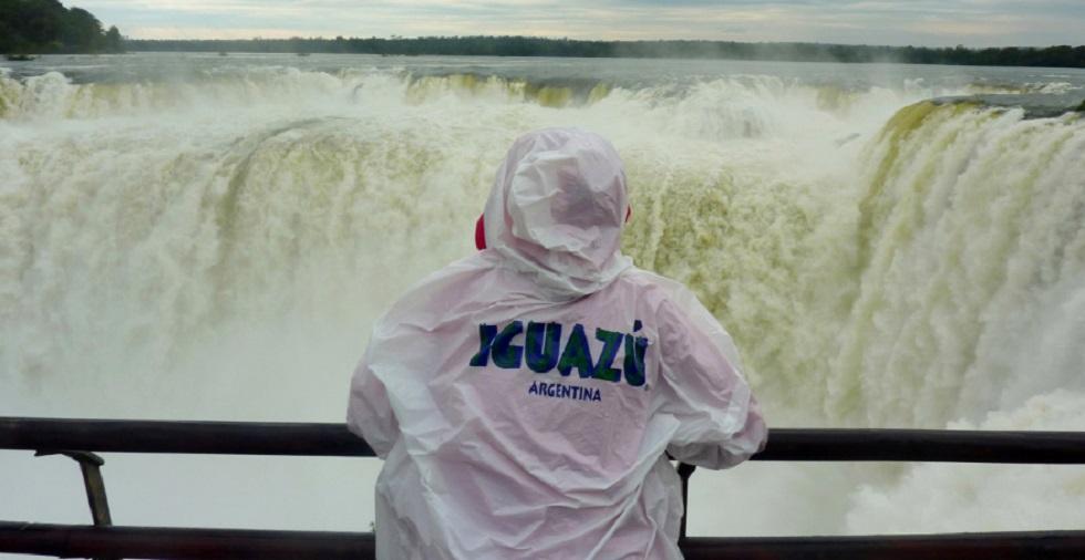 Cataratas do Iguaçu reabrem após 100 dias fechada por pandemia