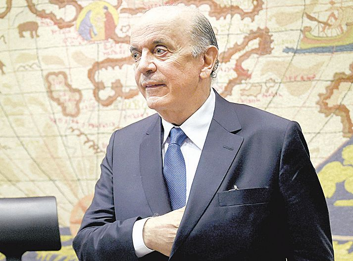 Senador José Serra vira réu, e STF trava investigação