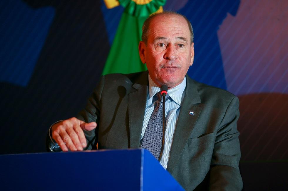 Ministro da Defesa propõe fixar orçamento da pasta em 2% do PIB