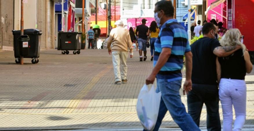 Prefeitura fecha 19 comércios nas zonas norte e oeste de Sorocaba
