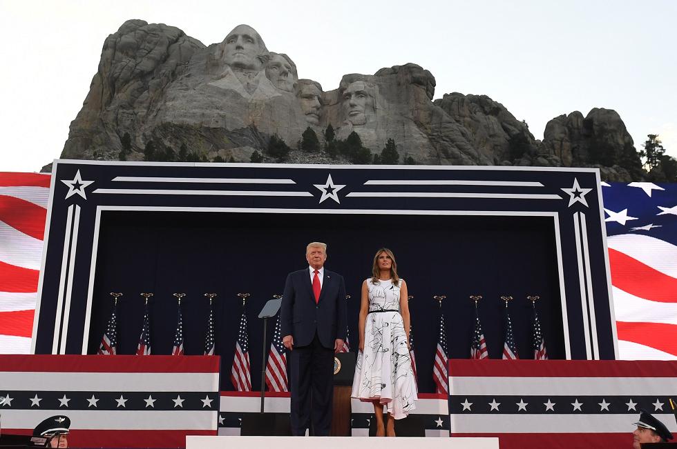 Trump promove festa da independência dos EUA em meio a recorde de casos