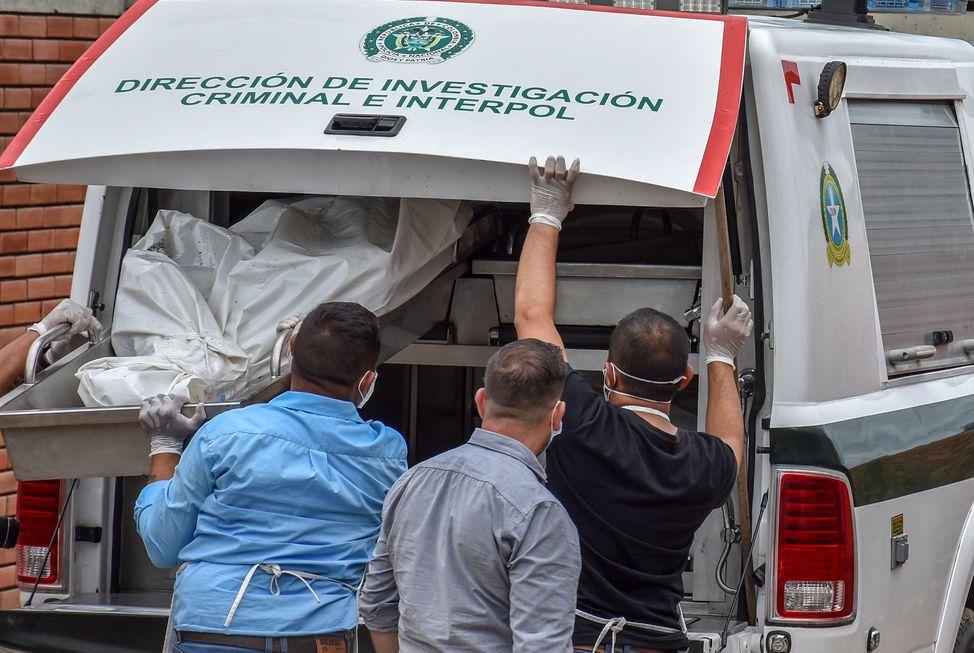 Colômbia volta a assistir massacres