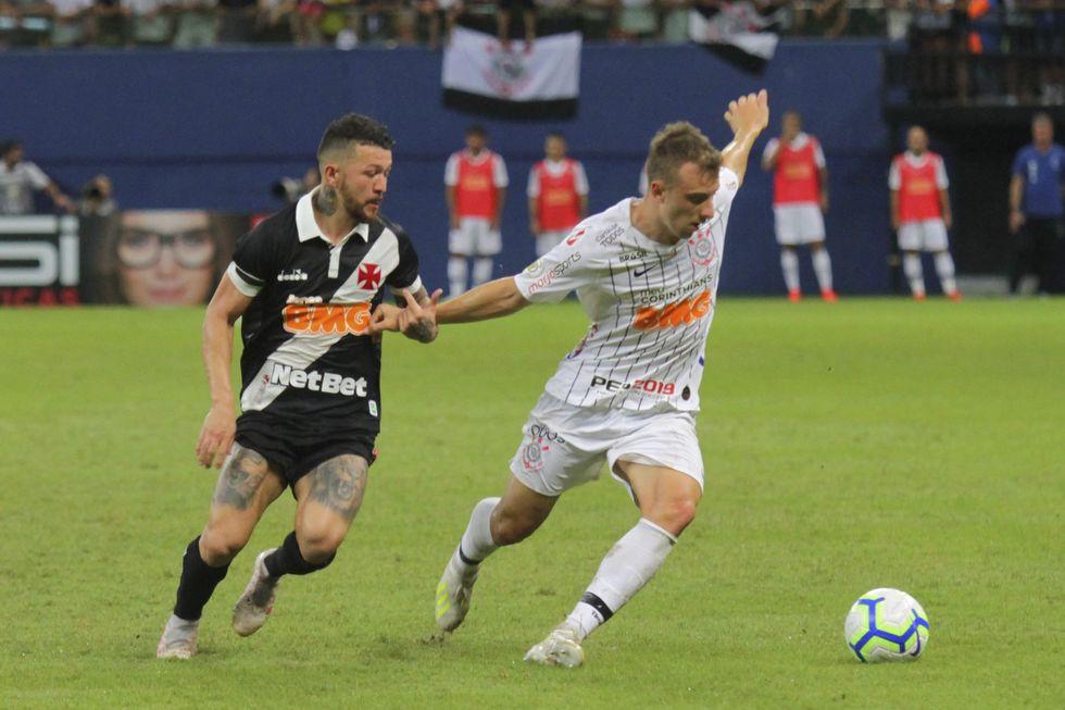 Corinthians vende Carlos Augusto