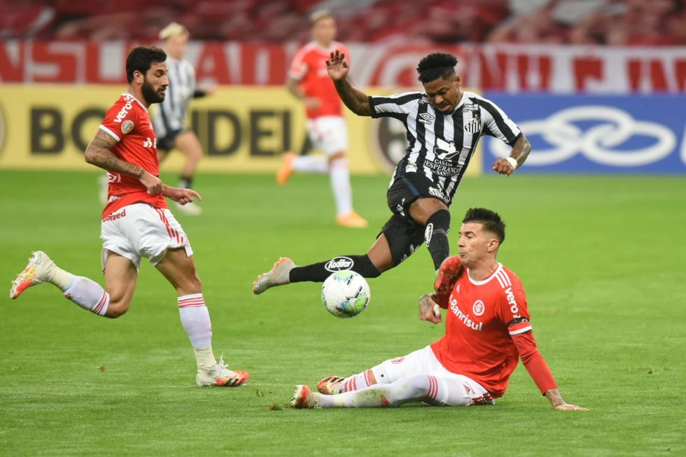 Dominado, Santos perde do Inter: 2 a 0