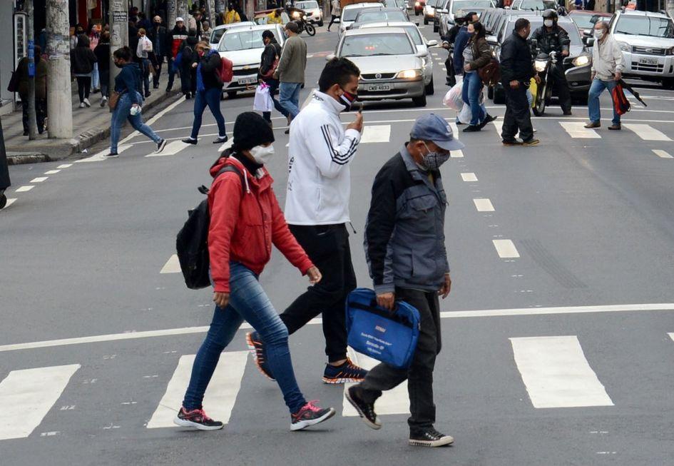 O uso de máscara é obrigatório pela população.