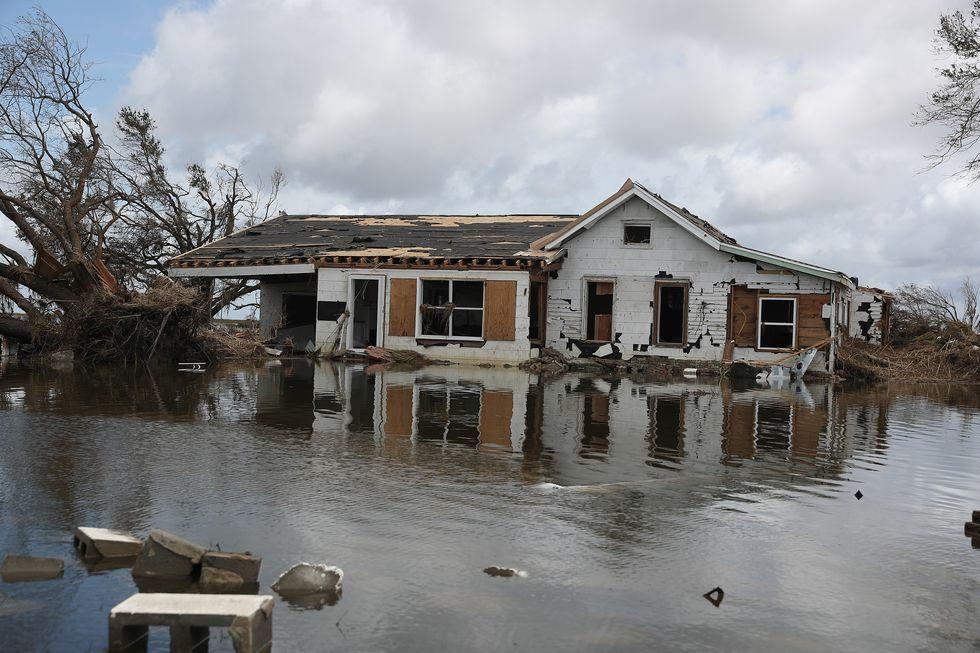 Furacão Laura deixa 14 mortos nos EUA e outros 31 no Haiti