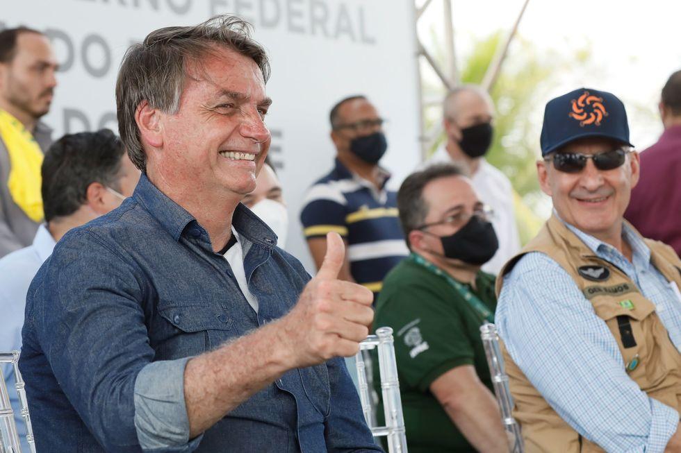 Ministro Paulo Guedes confirma mais dois meses de auxílio emergencial
