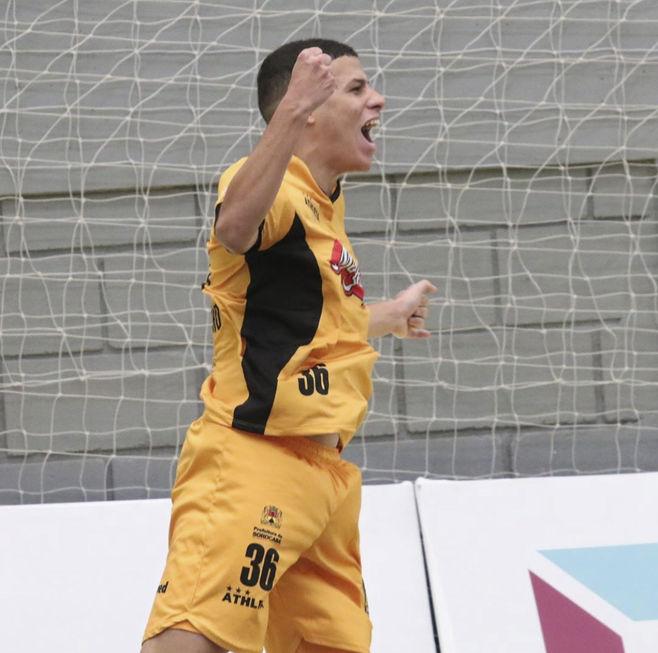 Início promissor como líder isolado da Liga Nacional de Futsal