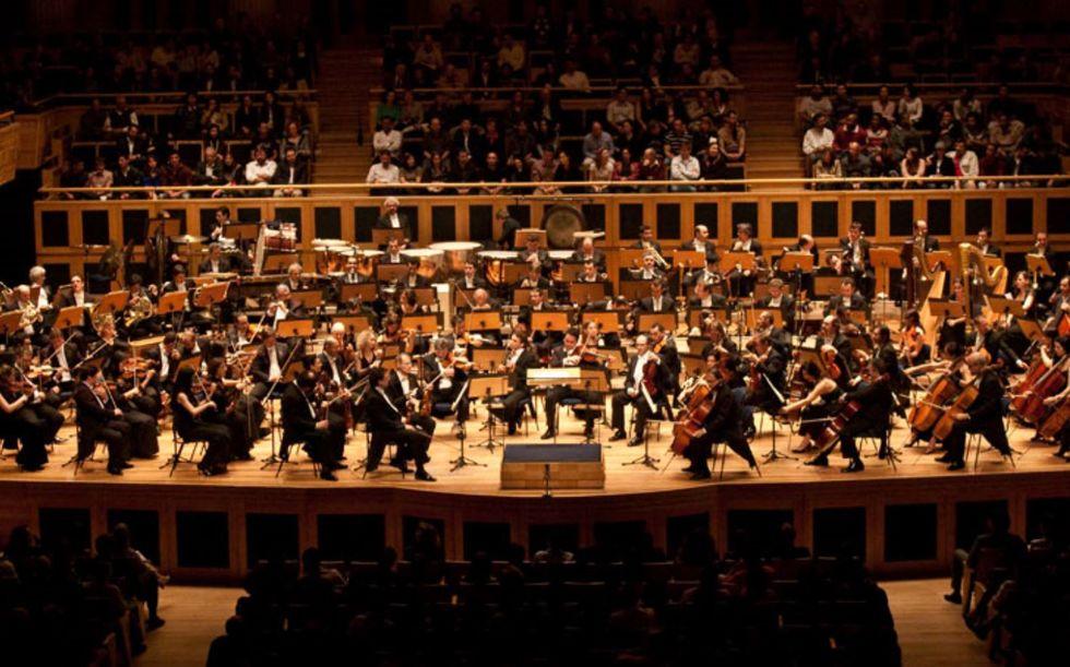 Mesmo sem plateia presente, orquestras voltam aos palcos