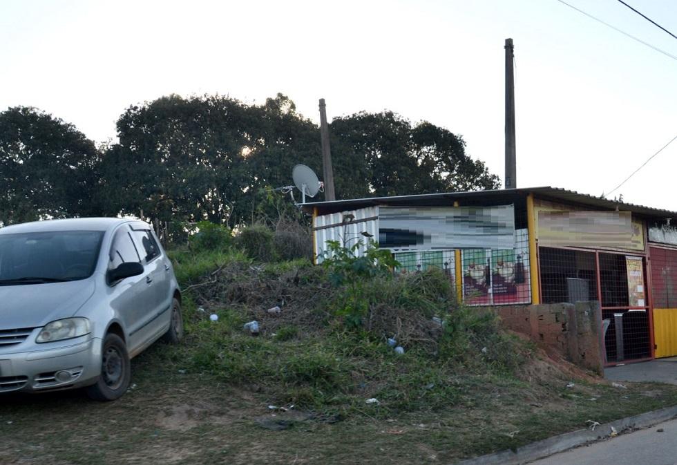Ocupações irregulares ameaçam via férrea em Sorocaba