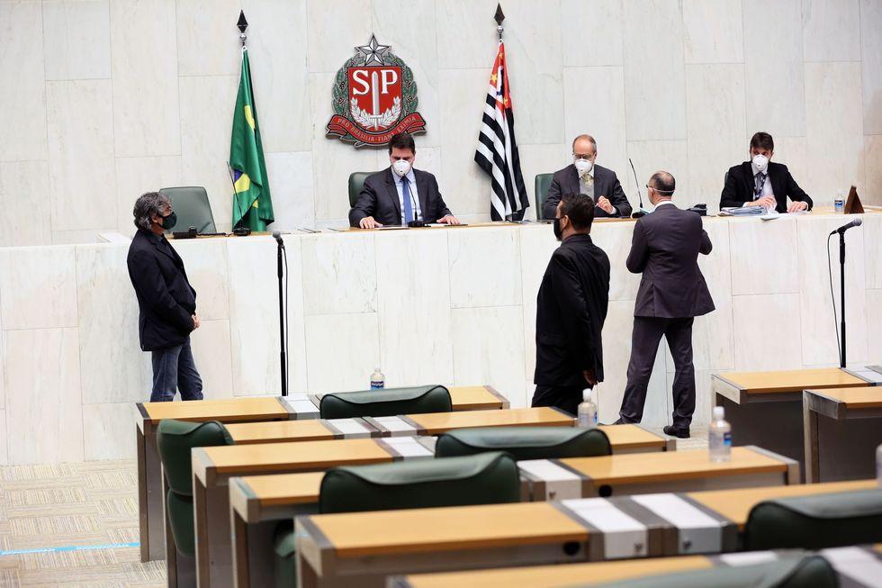 Taxa judiciária é alterada pelos deputados em sessão da Alesp