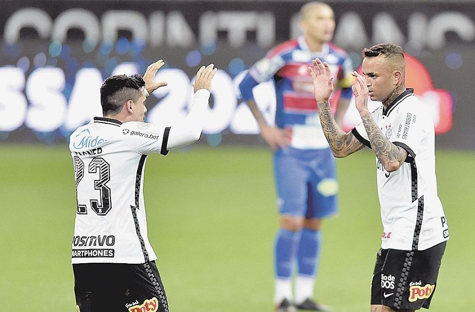 Luan salva o Corinthians de derrota contra o Fortaleza em Itaquera