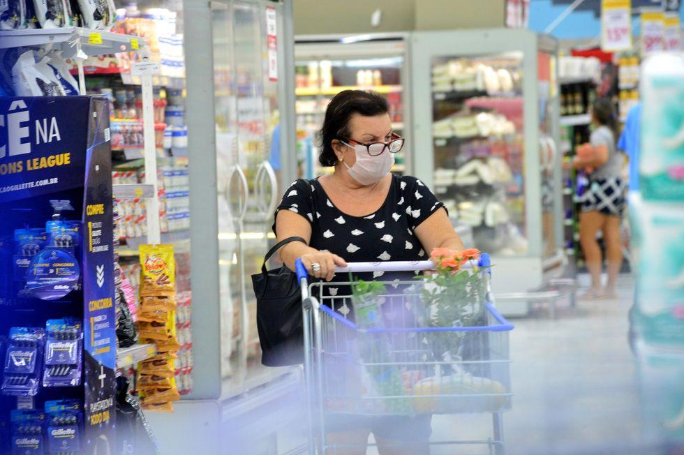Varejo voltou ao patamar pré-pandemia, diz IBGE