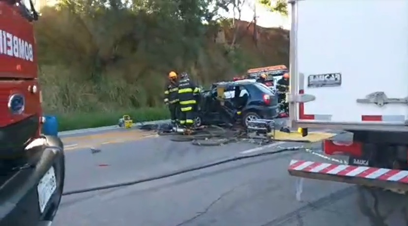 Acidente deixa uma pessoa gravemente ferida em rodovia de São Roque