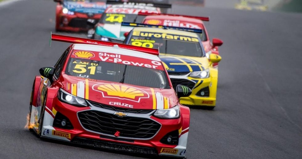 Nelsinho Piquet brilha em Interlagos e vence a 1º na Stock Car