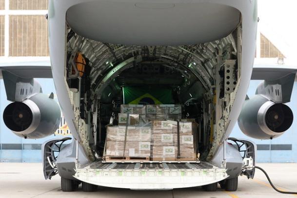 Missão brasileira embarca com 6 toneladas de material a Beirute
