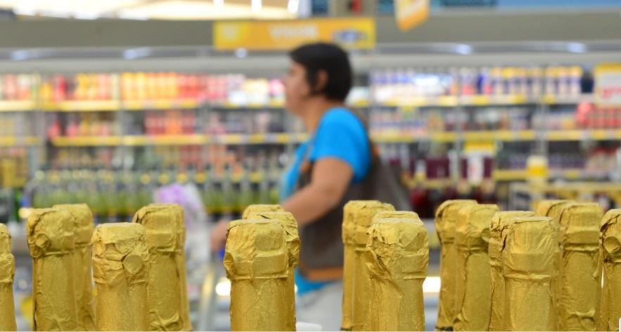 Indústria de alimentos e bebidas cresce 0,8% no primeiro semestre