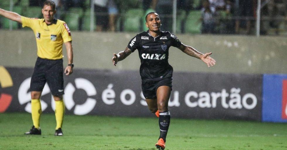 Corinthians oficializa contratação de Otero, do Atlético-MG