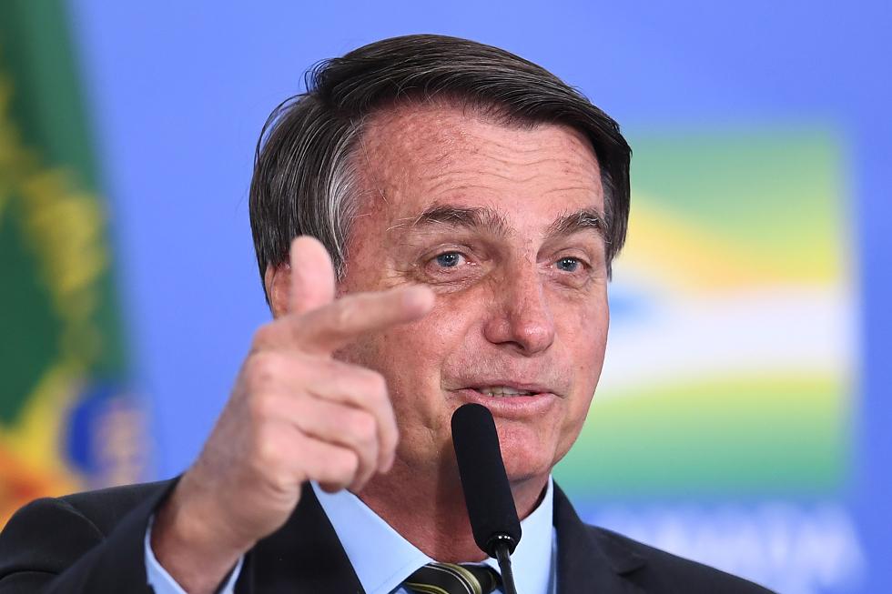 Com desfile cancelado, Bolsonaro falará na TV
