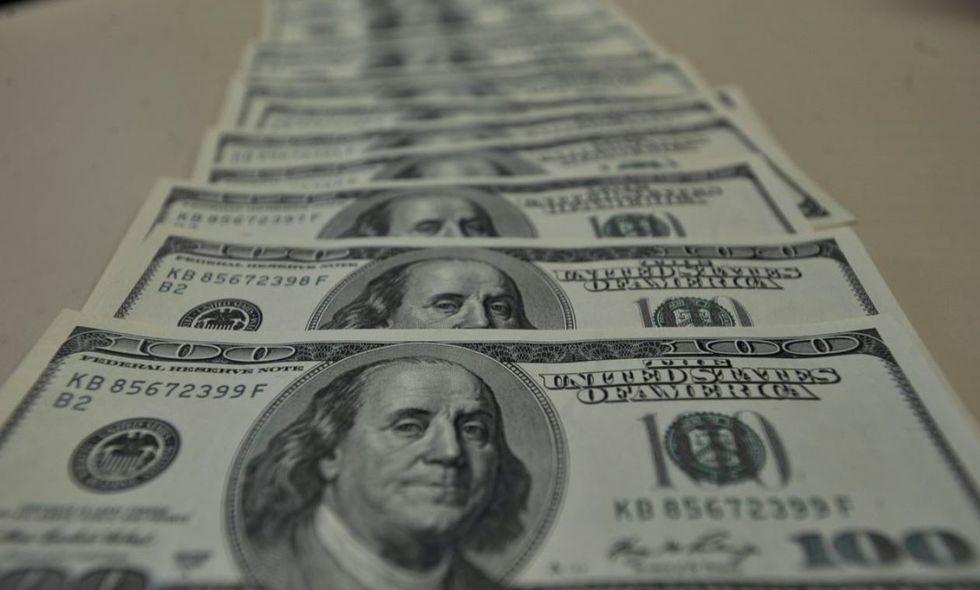 Em quarto dia de alta, moeda norte-americana fecha em R$ 5,58