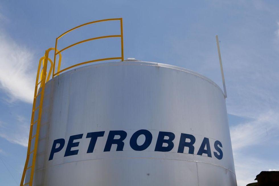 Petrobras recebe ofertas para quatro refinarias