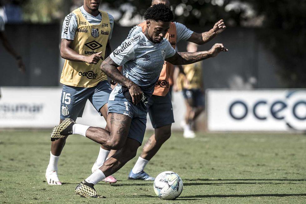 Risco de Covid cancela treino do Santos
