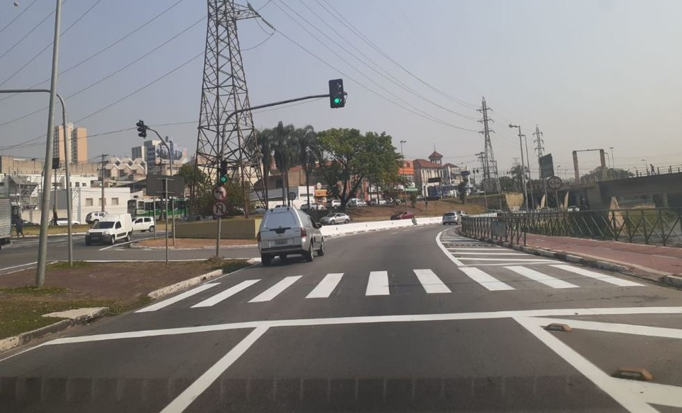 Avenida Dom Aguirre tem sinalização de solo renovada