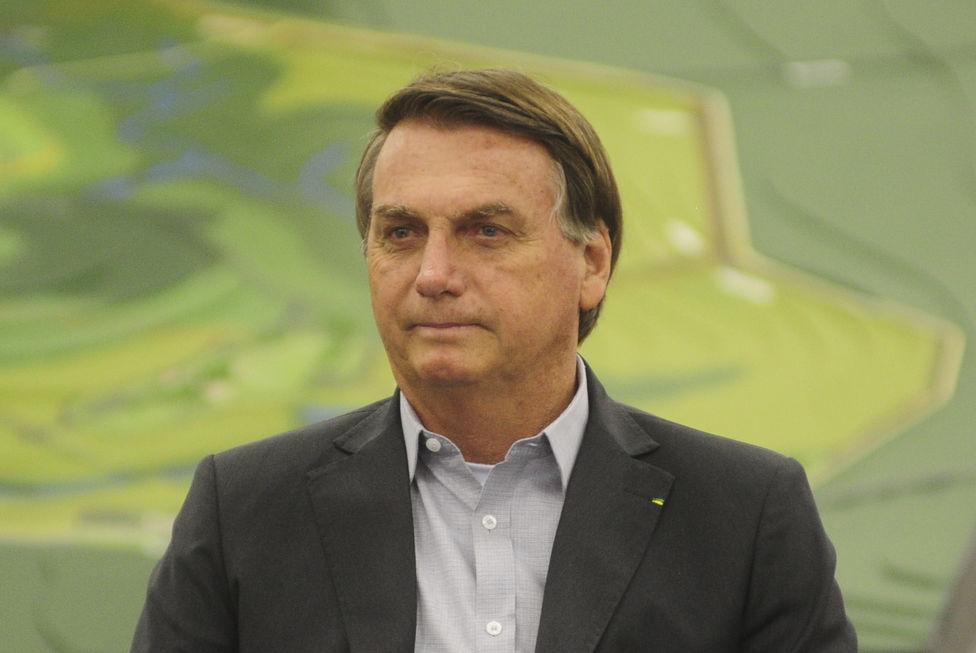 Bolsonaro quer flexibilizar a entrada de estudantes nos EUA