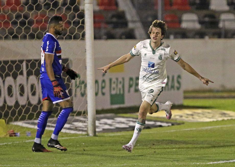 Botafogo perde e Oeste joga hoje na Série B