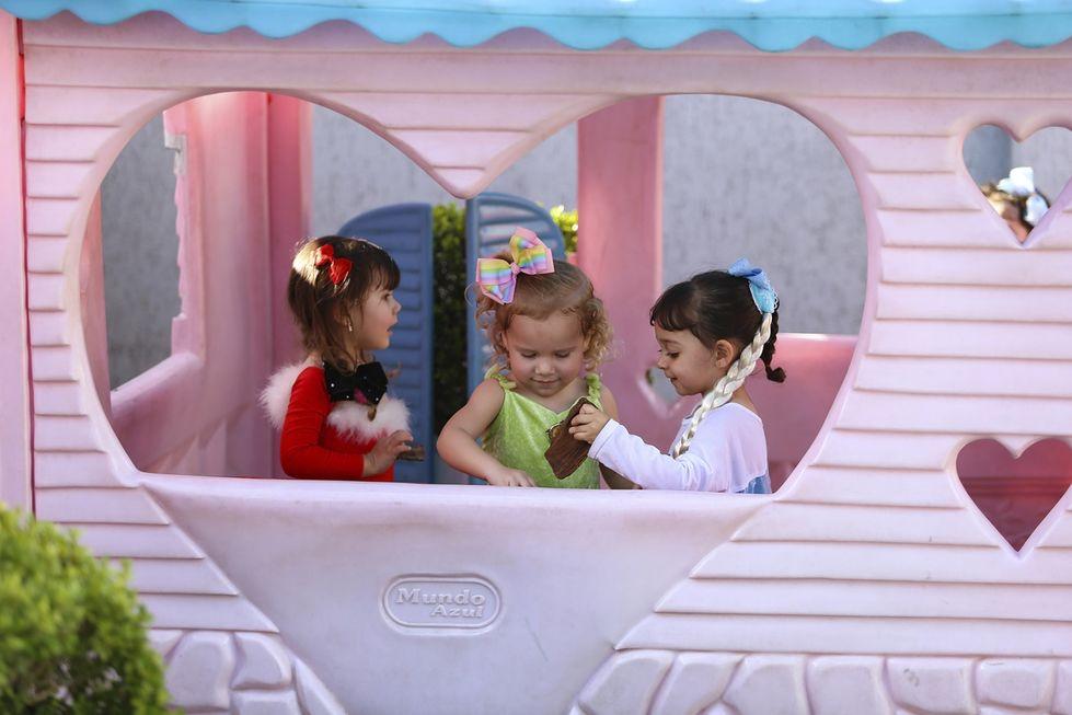 Brincadeiras em casa garantem diversão no Dia das Crianças