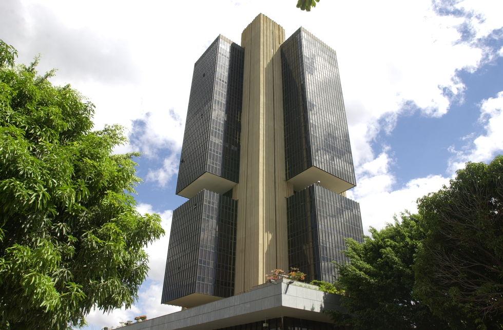 Banco Central avisa que vai repetir alta de juros básicos