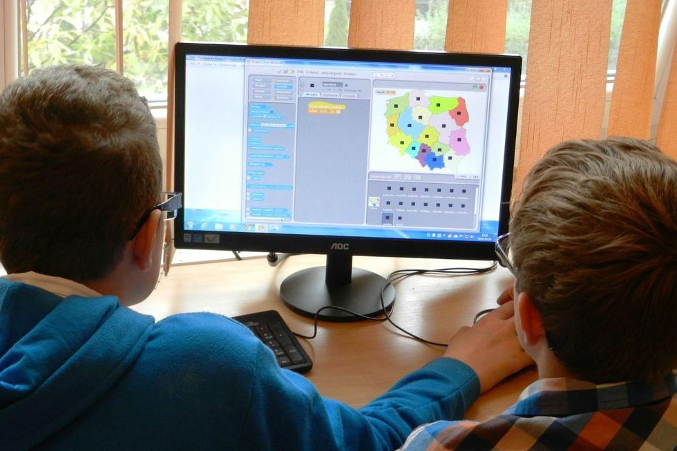 Ensino remoto continuará valendo em 2021