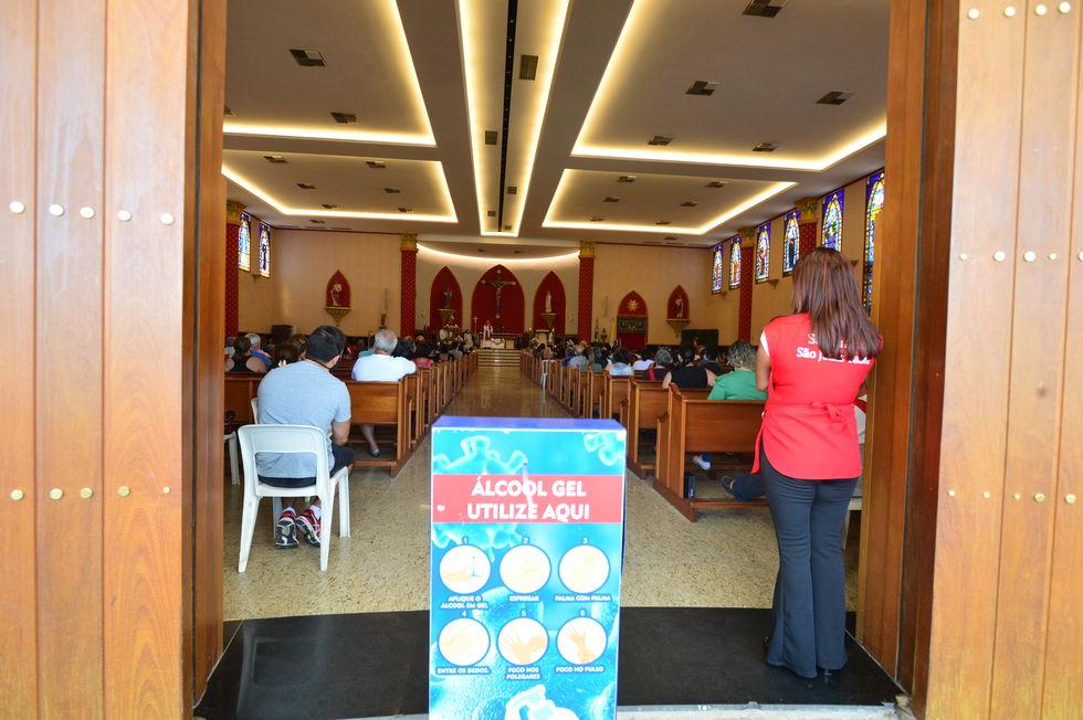 Fiéis vão ao Santuário para celebrar São Judas Tadeu