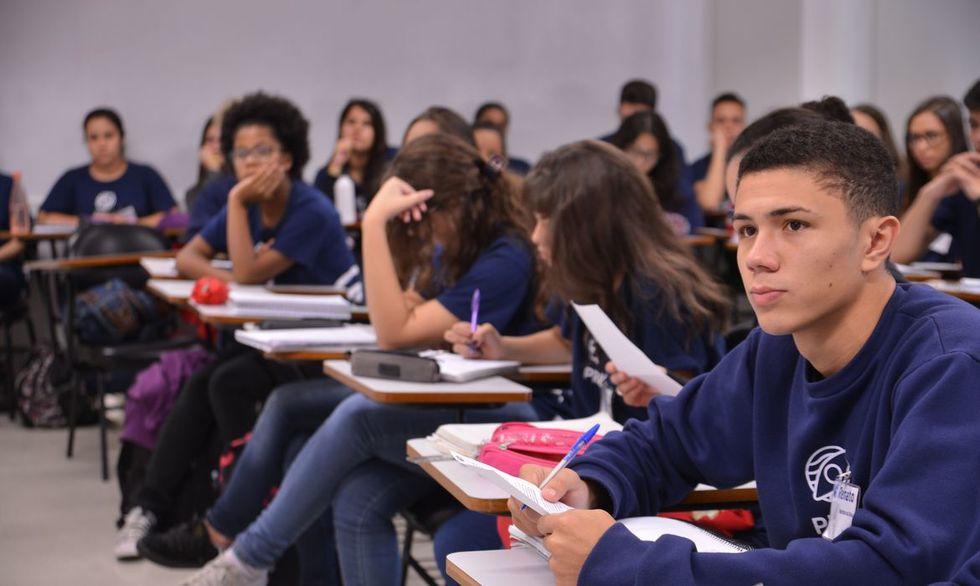Matrículas nas escolas estaduais começam hoje