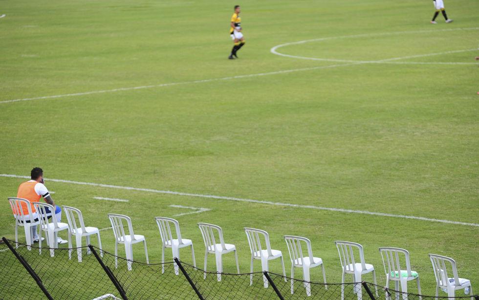 Sob surto de Covid, São Bento empata com Criciúma por 0 a 0