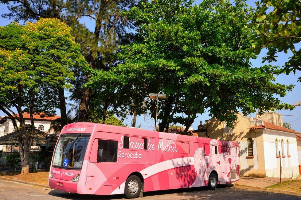 Ônibus Rosa atenderá na Policlínica até o fim do mês