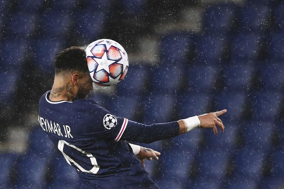 PSG perde em casa na estreia da Champions