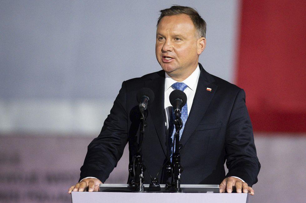 Presidente da Polônia está com Covid