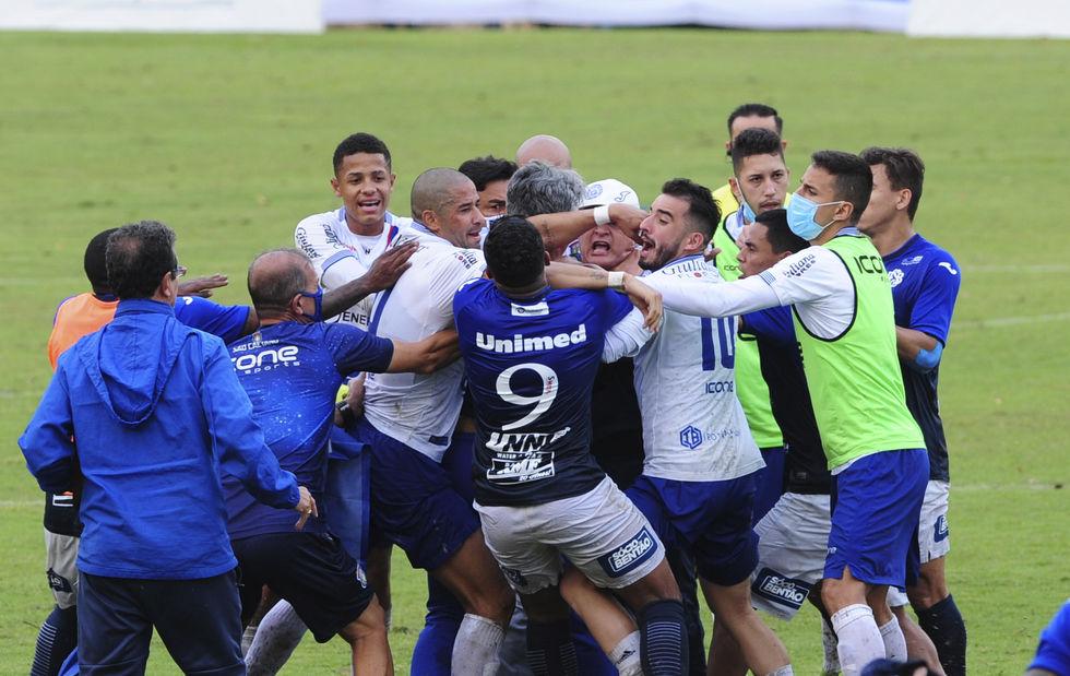 São Bento perde para o São Caetano no primeiro jogo da final da Série A2