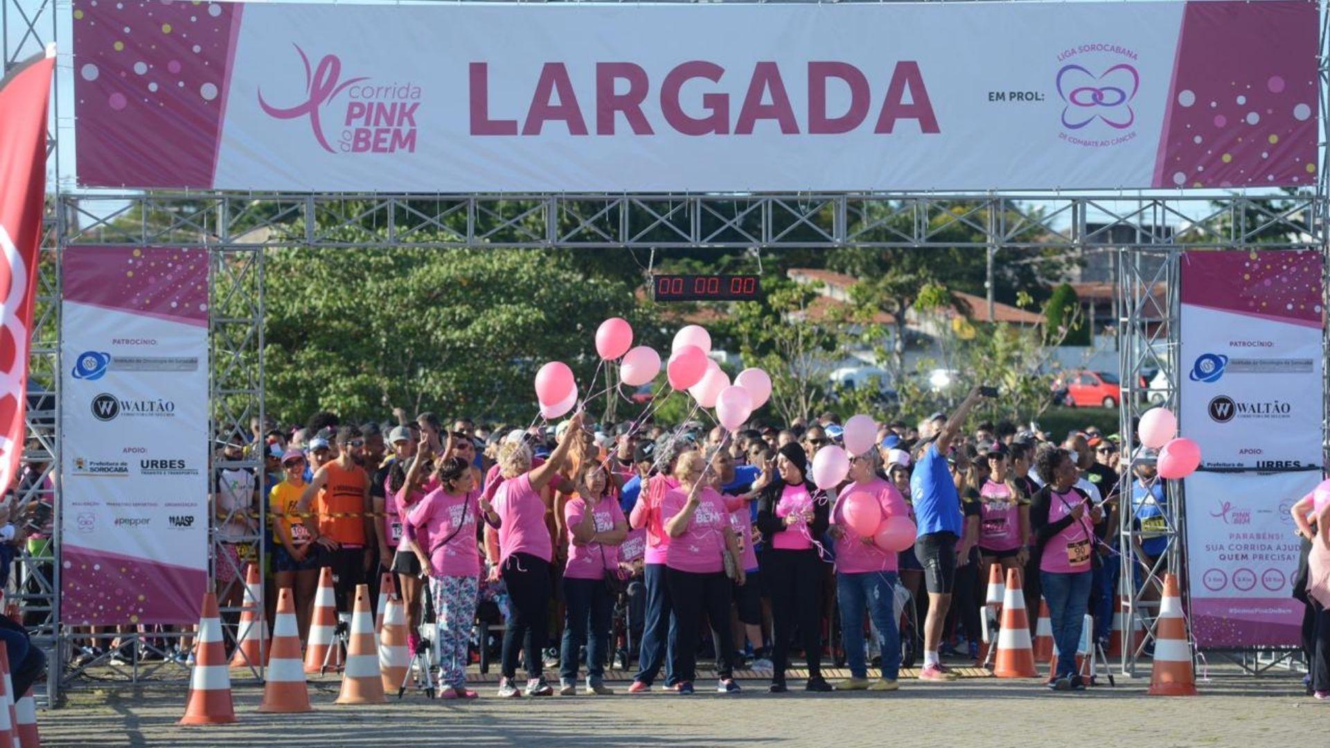 Largada da Corrida Pink do Bem do ano passado. Crédito da foto: Erick Pinheiro (13/7/2019)