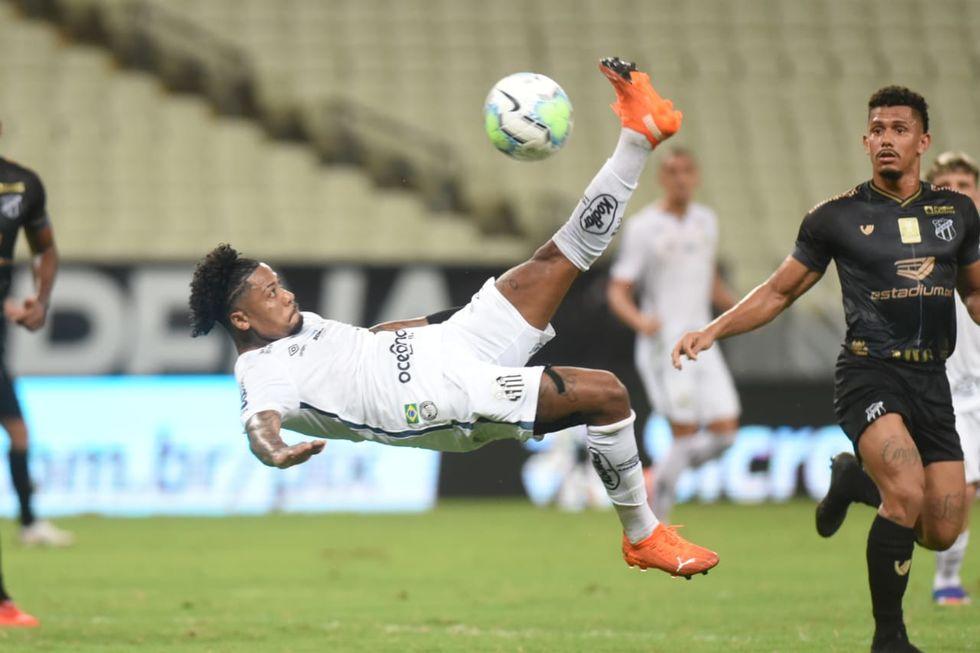 Com surto de Covid, Santos pega o Inter