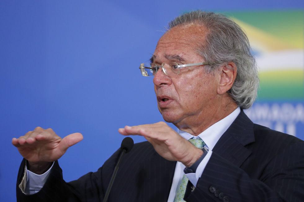 Guedes fala em cortar dívida usando reservas