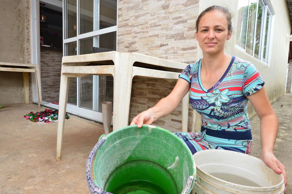 Falta de água é problema recorrente no Genebra