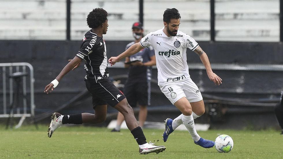 Luan volta a treinar no Palmeiras