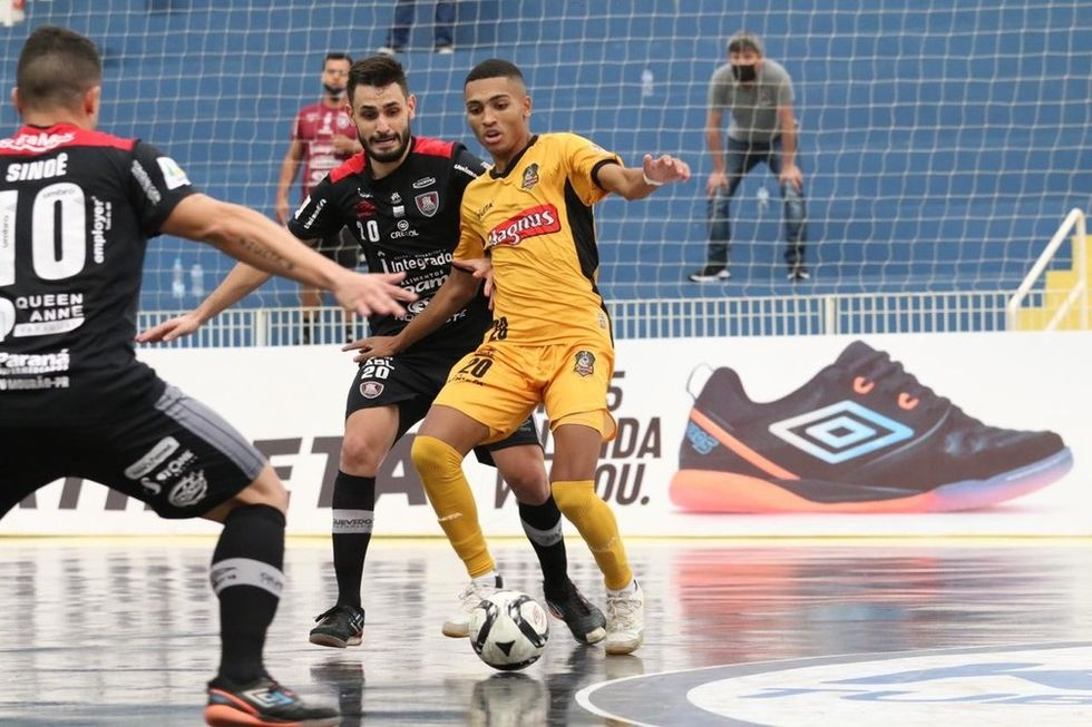Magnus joga em Limeira pelo Paulista