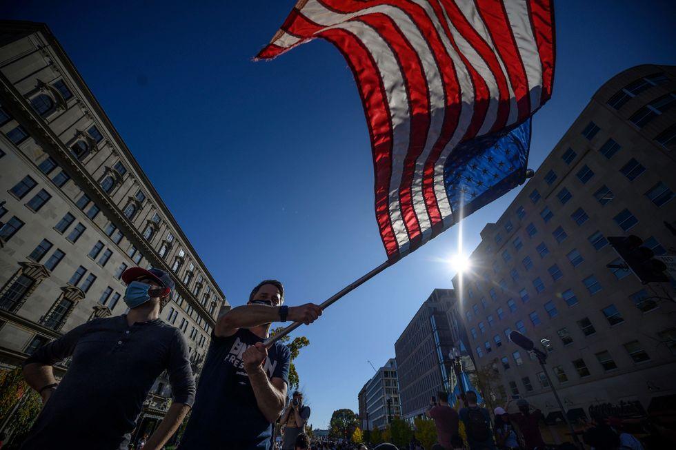Multidão comemora em Washington