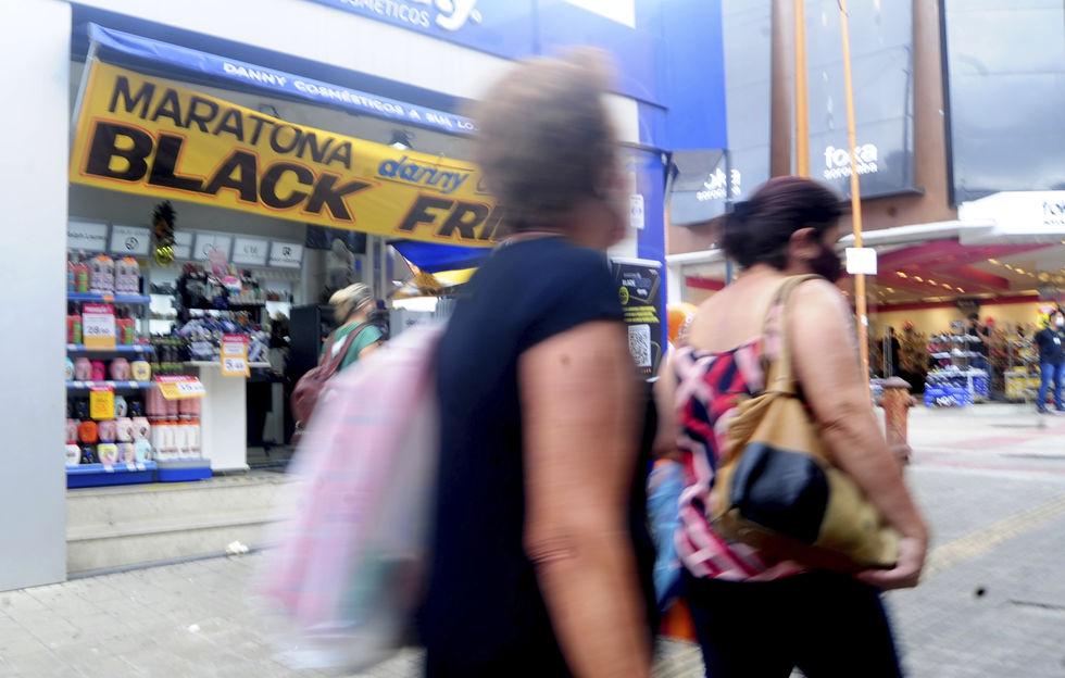 Procon alerta sobre fraudes nas compras