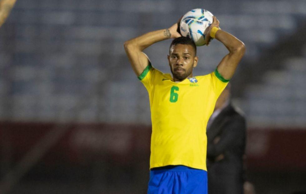 'Quieto', Renan Lodi se firma na lateral esquerda